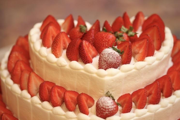 人気オプションの生ケーキへの入刀がプラン内で叶う
